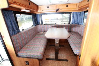 Tischer XL65 seating area